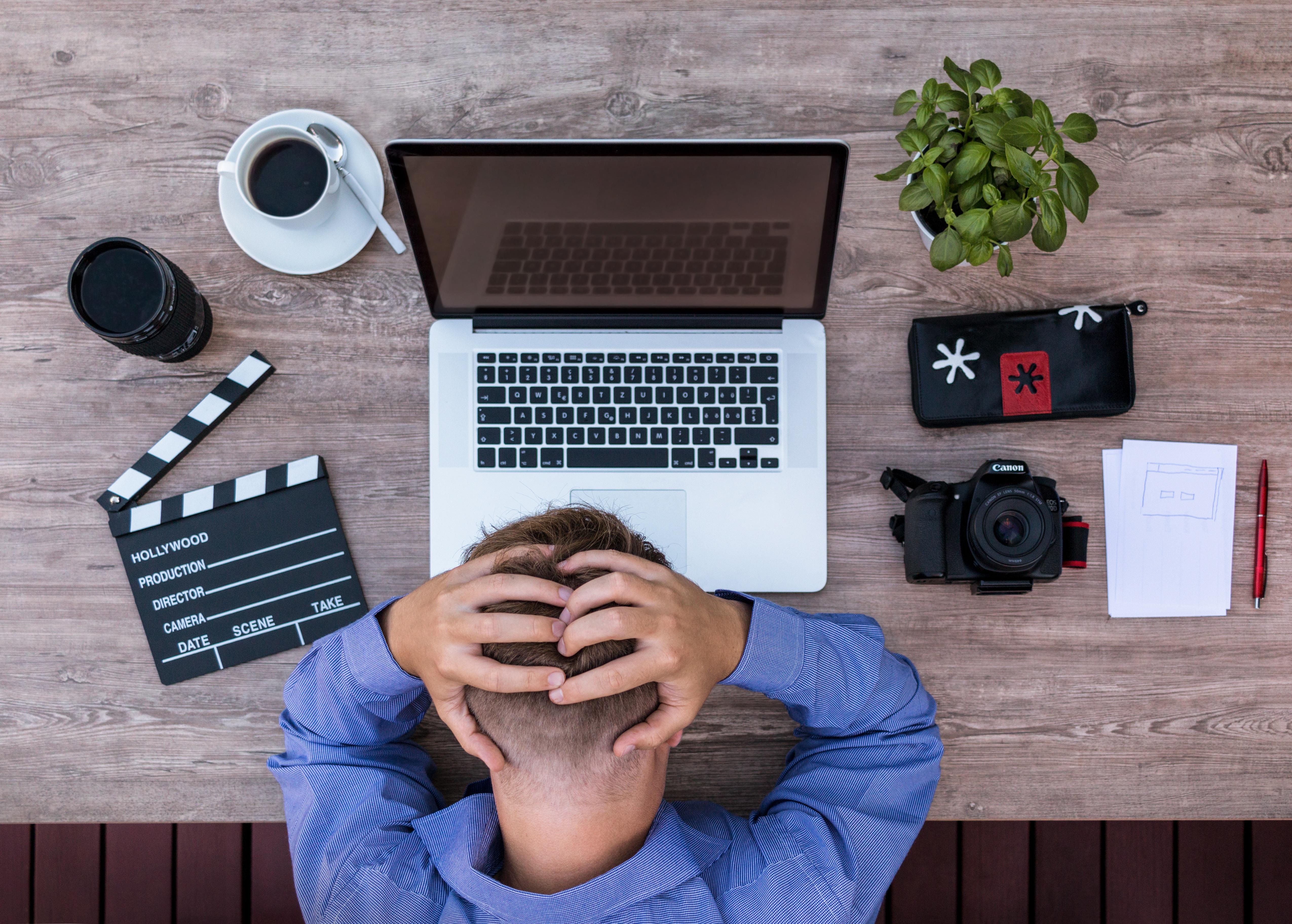 Migräne, Kopfschmerzen, Arbeit, Stress